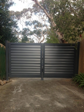 Automatic Swinging Colourbond Gates Berowra, Sydney