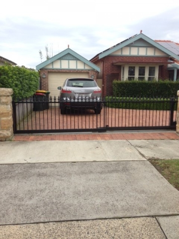 Automatic sliding gates Creators Range spear top Sydney