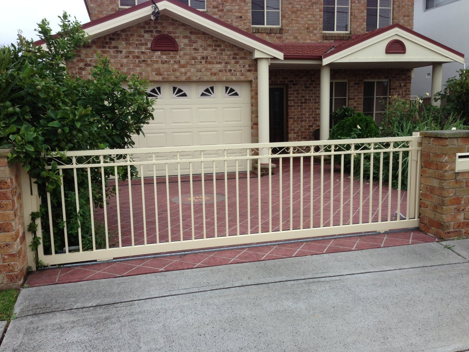 Automatic sliding gates Creators Range scroll top Sydney