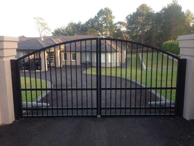 Automatic swinging gates Creators Range arch top Sydney
