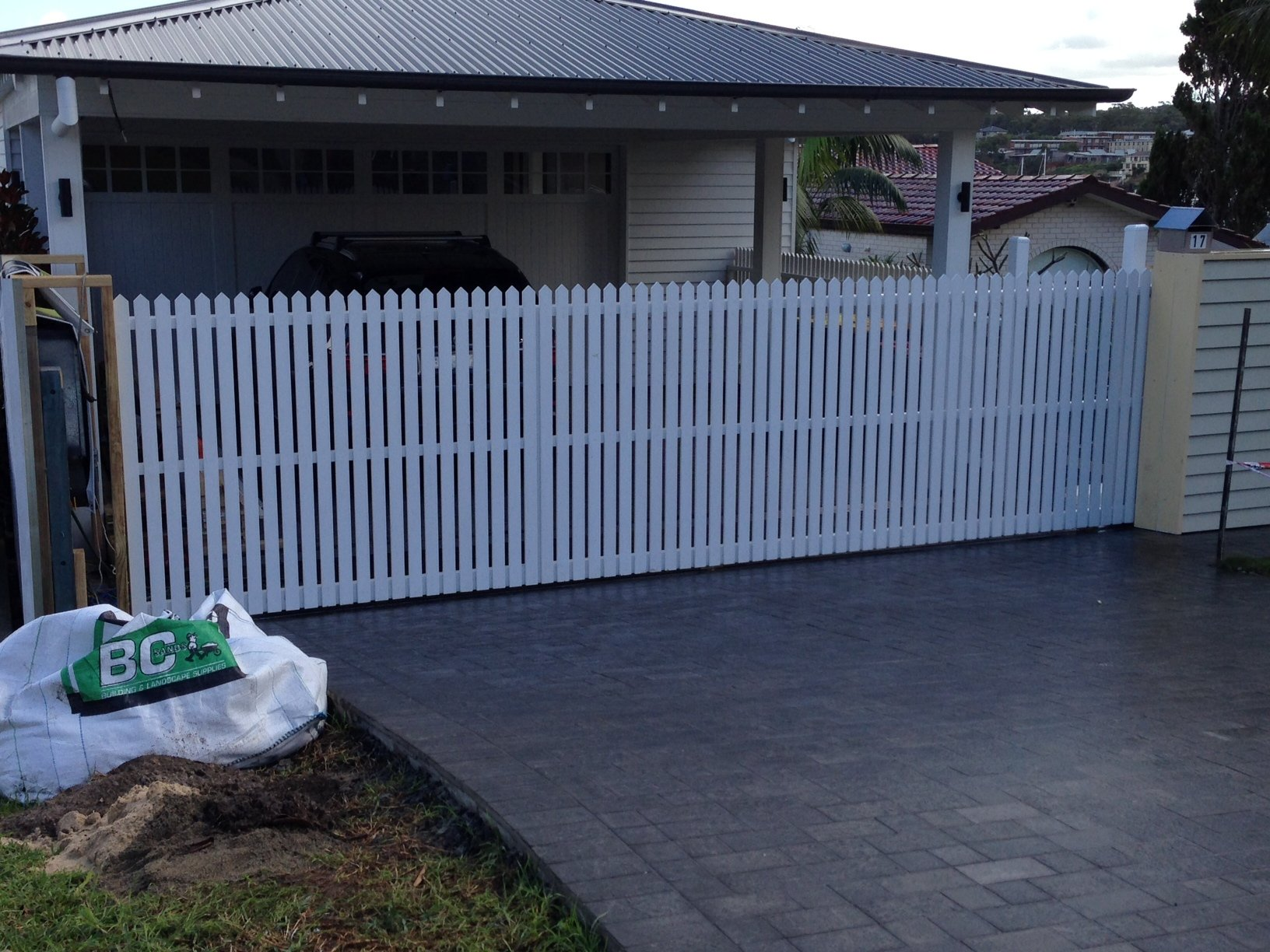 Automatic sliding driveway gates picket design Sydney