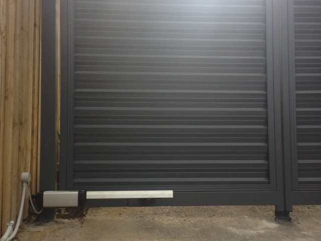 Automatic Swinging Colourbond Gate Operator Berowra, Sydney